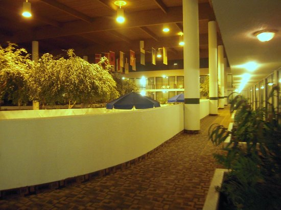 Wyndham Garden Romulus Detroit Metro Airport: More common area