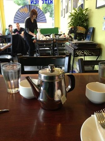 Sutha Thai Kitchen: lunch with tea