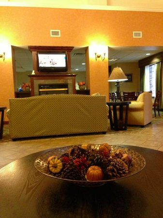 BEST WESTERN PLUS Victor Inn & Suites: Hotel lobby