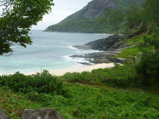 Hilton Seychelles Labriz Resort & Spa: Spiaggia selvaggia