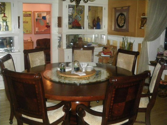 Hollywood Bed & Breakfast: Dining area