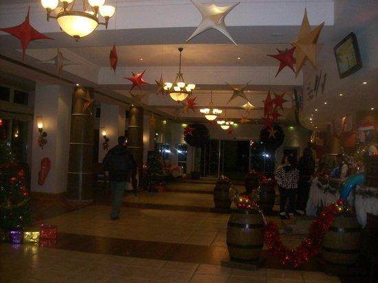 Explorers Hotel: Reception
