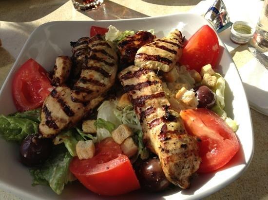 Mamma Mia: Chicken Ceaser salad with grilled hot chicken