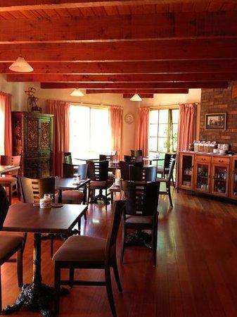 Hideaway on George: Breakfast room & reception.