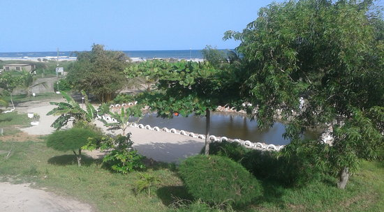 Sikaso Beach Hostel: Garden and Sea view