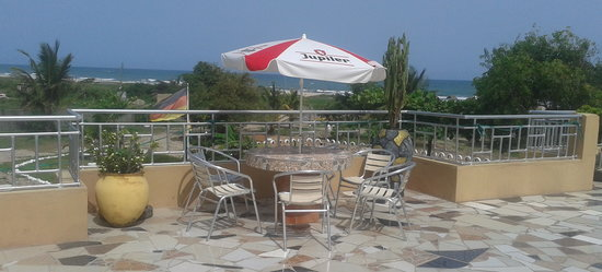Sikaso Beach Hostel: Roof Top Bar and Resturant