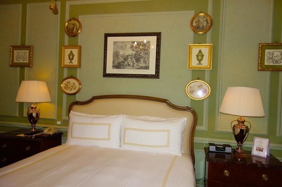 Four Seasons Hotel Firenze: Guest bedroom