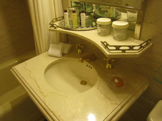 The Towers of the Waldorf Astoria: awkward shelf above TINY sink