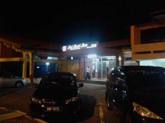 Entrance of Sri Inai Inn at night