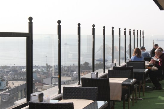 Antik Hotel Istanbul : Breakfast room -terrace