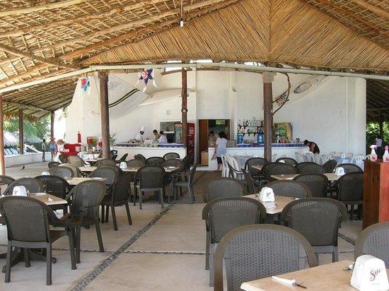 Hotel Castillo Huatulco Hotel & Beach Club: Beach Club Restaurant