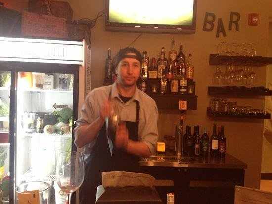 5th Street Market and Deli: new bar
