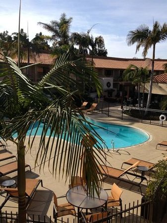 Courtyard by Marriott San Diego Solana Beach/Del Mar: Photo taken from our room...