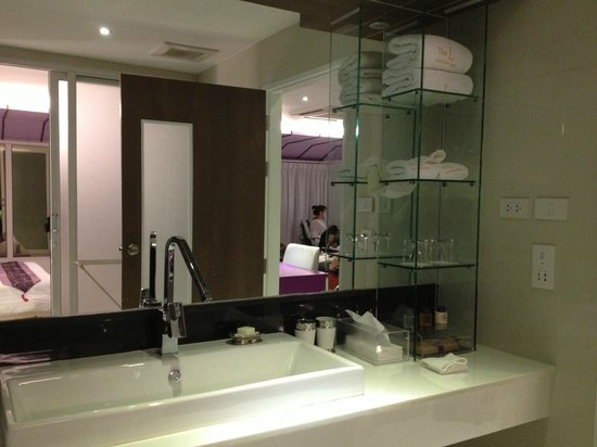 The L Resort Krabi: The bathroom sink
