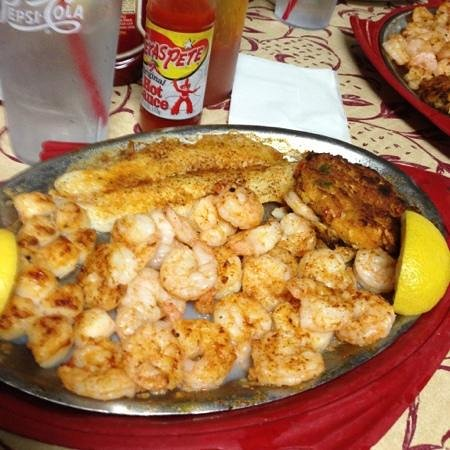 Pier 41 Seafood: broiled deluxe seafood platter