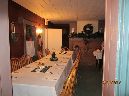 Upper Canada Village: Willard's Dinning room