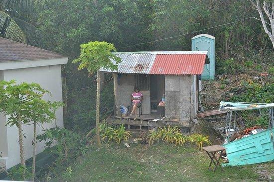 ทานาวิน รีสอร์ท แอนด์ ลักชูรี อพาร์ทเมนท์: Neighbour at Tanawin