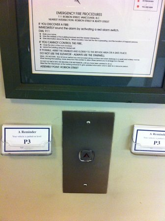 Hampton Inn & Suites Downtown Vancouver: Parking cards - in a secured parking garage