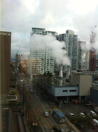 Hampton Inn & Suites Downtown Vancouver: 2nd view from the room -daytime