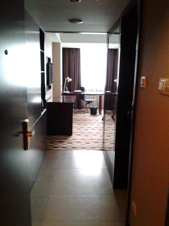 Jinjiang Xi'an Xijing international Hotel : room entrance