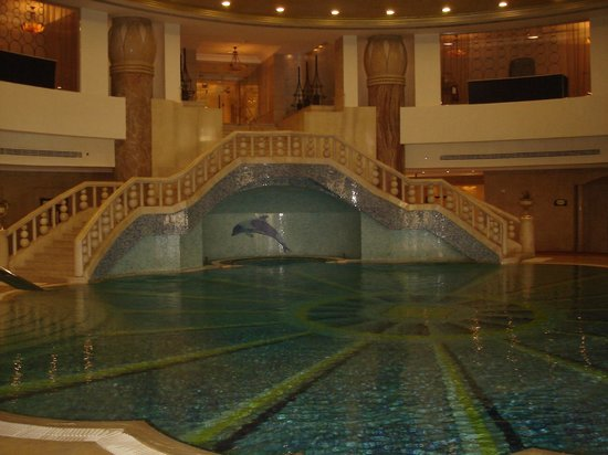 JW Marriott Hotel Cairo: Nice suroundings for a swim.