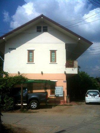 Thai Guest House & Backpacker: Exterior