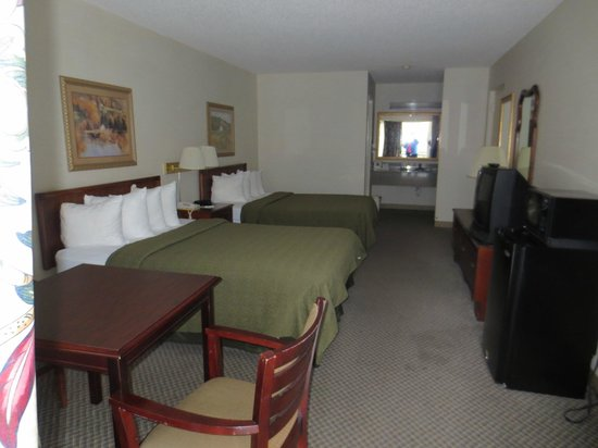 Quality Inn & Suites Mt. Chalet: 2 Queen Beds