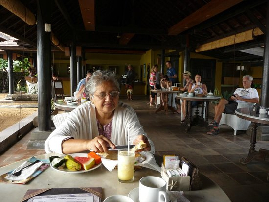 Peneeda View Beach Hotel: Beach Restaurant