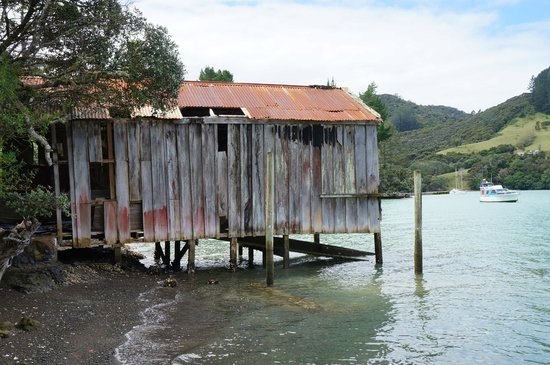 Mangonui Waterfront Apartments: Old boathouse Totara North