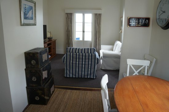 Mangonui Waterfront Apartments: Northland chic meets Hampton style!