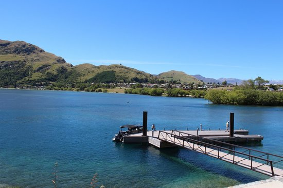 Hilton Queenstown Resort & Spa: Water taxi jetty