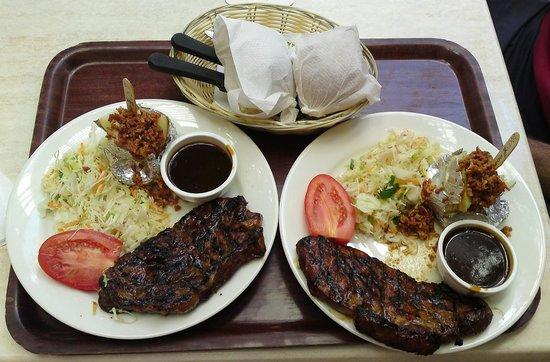 Breakfast Creek Hotel: 350gm Porterhouse steaks