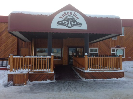 Yukon Inn: Front entrance