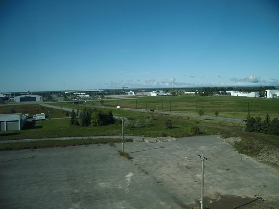 Hilton Garden Inn Ottawa Airport: 周りは何もない