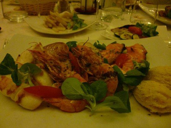 Ristorante Il Ritratto - Carpe Diem: Grill fish mix