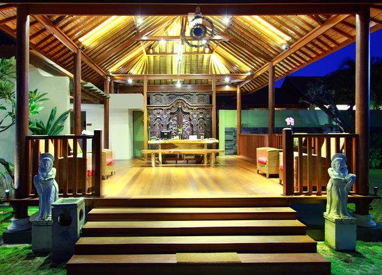Grand Bali Villa: Lobby