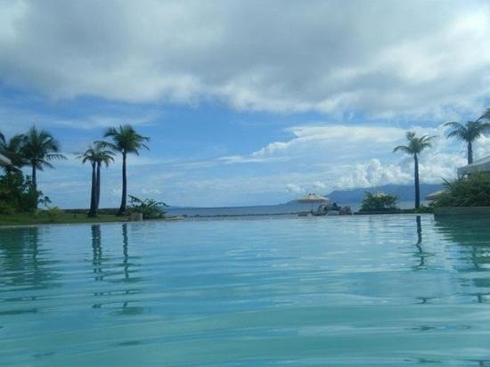 Misibis Bay Resort: another pool view