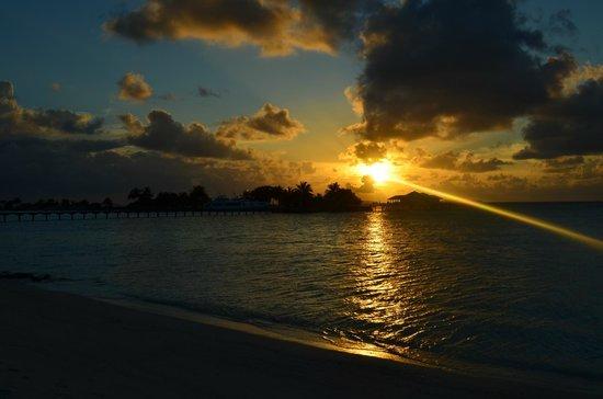 พาราไดซ์ ไอแลนด์ รีสอร์ท แอนด์ สปา: tramonto