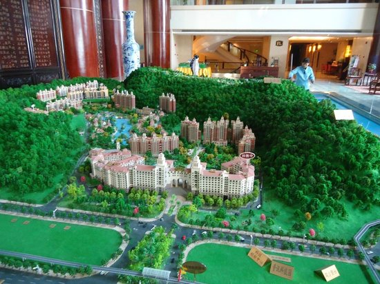 Aoyuan Health Hotel: A model of the hotel and the surrounding area