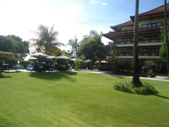 Peninsula Beach Resort Tanjung Benoa: hotel view