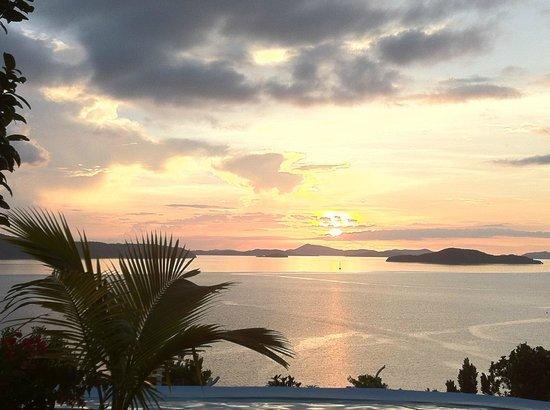 AL FARO Cosmio Hotel Palawan: Sonnenuntergang