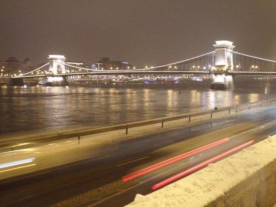ACHAT Premium Budapest: Ponte delle Catene
