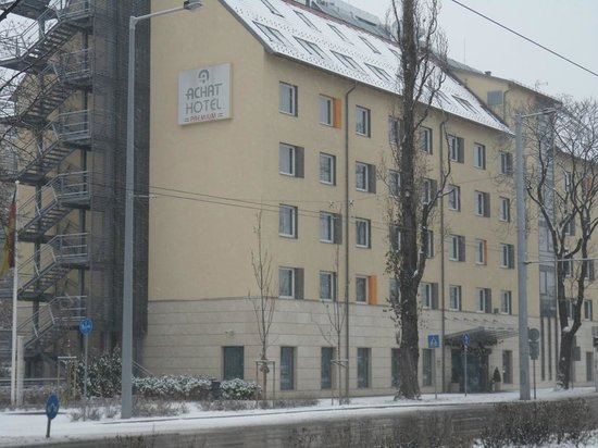 อะแชต พรีเมียม โฮเต็ล บูดาเปสท์: Hotel