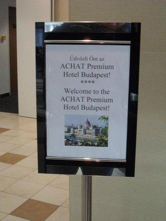ACHAT Premium Budapest: Cartello di benvenuto