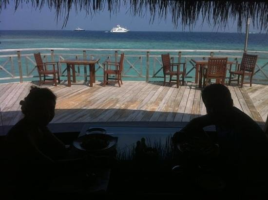 Bandos Maldives: sea breeze cafe
