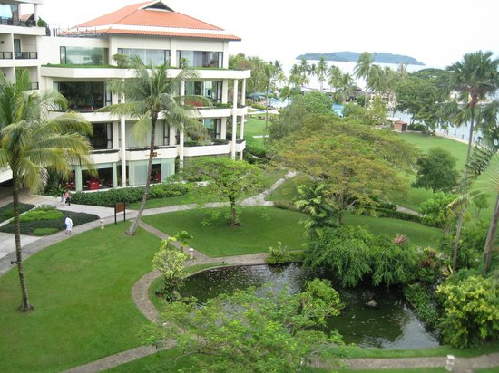 Shangri-La's Tanjung Aru Resort & Spa: view of kinabalu wing