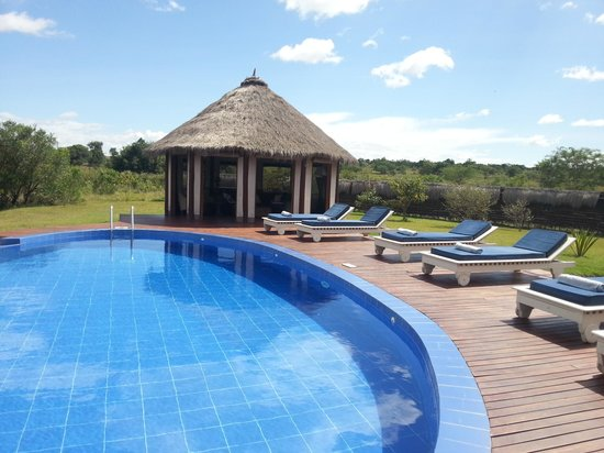 Ngerende Island Lodge: Poolside