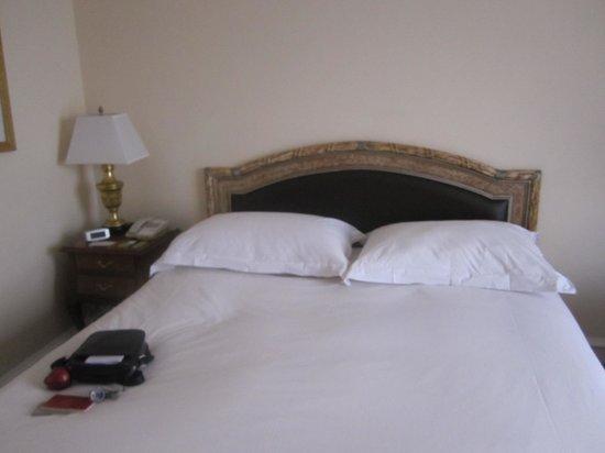 Hotel Gran Mahakam Jakarta: Bed