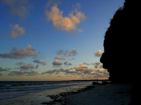 Kilifi Bay Beach Resort: al tramonto kilifi