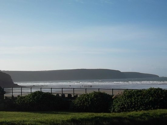 Anchor Guest House: Broad Haven Beach